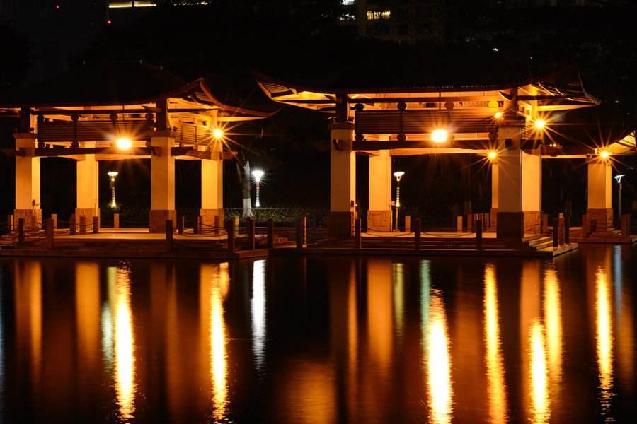 1300余盏景观灯,美丽景色千灯湖