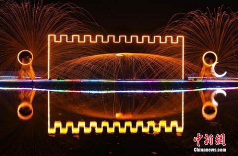 北京公园灯光秀3.jpeg