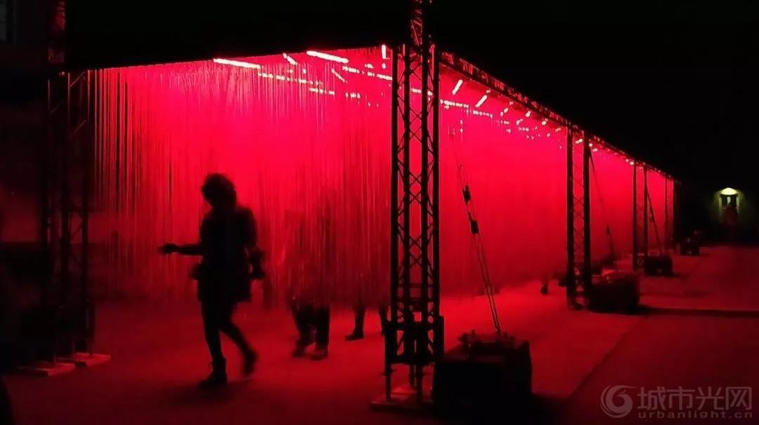 芬兰赫尔辛基灯光艺术节-冬夜里的灯光盛宴10.jpg