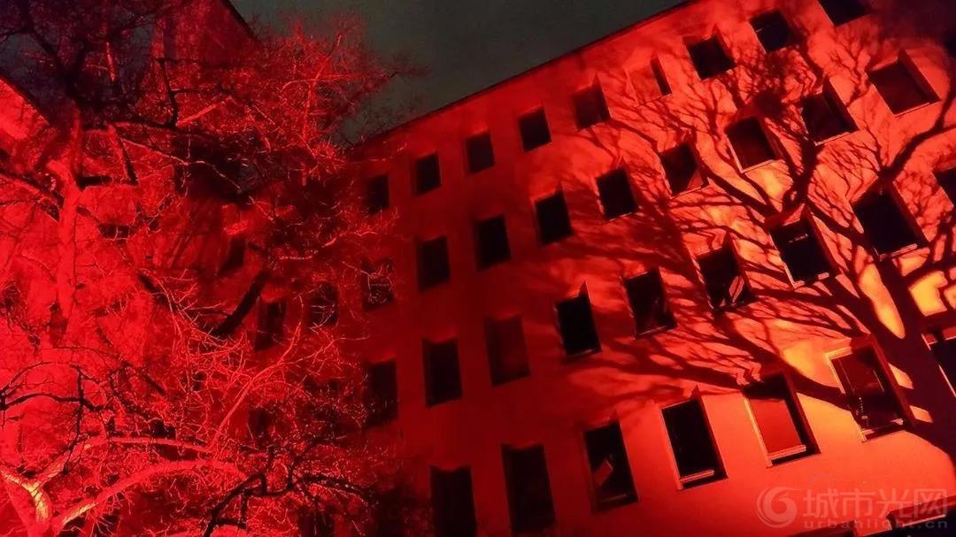 芬兰赫尔辛基灯光艺术节-冬夜里的灯光盛宴15.jpg