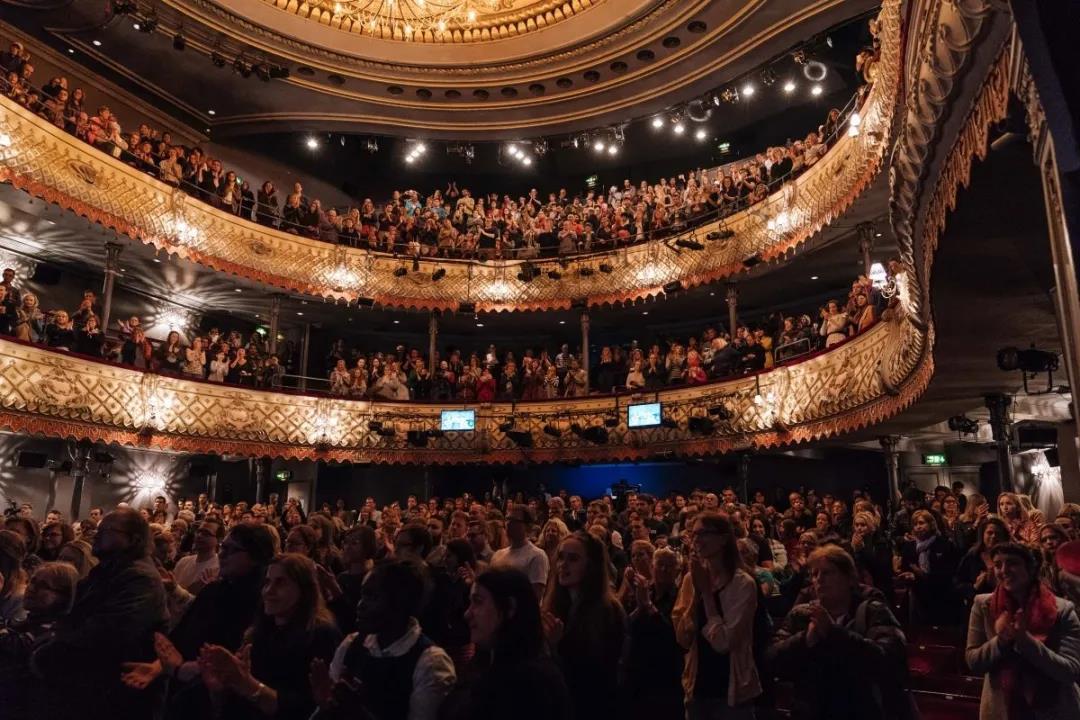 灯光设计在舞台空间中的表现手段8.jpg